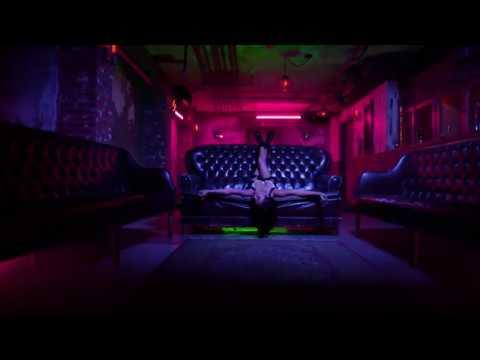 Becky G - Mayores Official Video ft  Bad Bunny (DESCARGAR▼▼)
