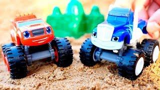 Вспыш и Крушила играют в прятки в Песочнице - Видео для детей