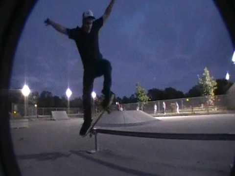 feeble grind - armatage skate park