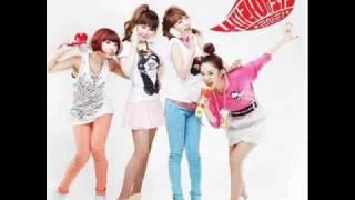 [MP3/LYRICS] 2NE1 -  Try To Copy Me