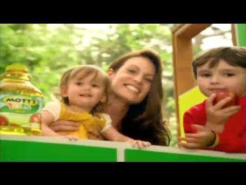 Mott's Commercial for Mott's for Tots (2011) (Television Commercial)
