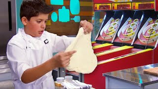 We Made a Pizza in an ARCADE! 🍕👾 | Universal Kids