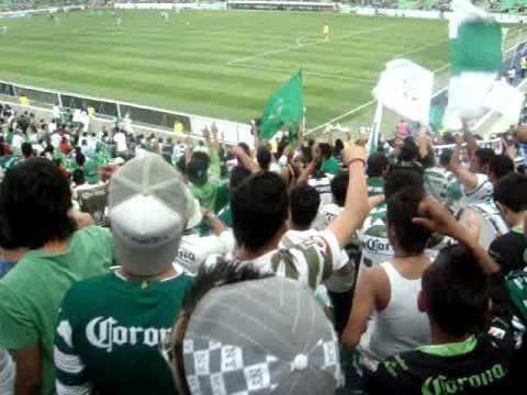 """""""En las buenas y en las malas"""" Barra: La Komún • Club: Santos Laguna"""