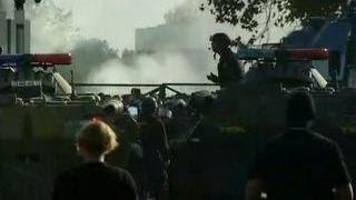 Камни против водометов: сирийские беженцы вступили в столкновения с венгерской полицией