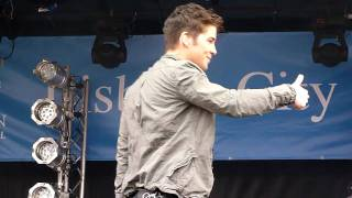 Joe McElderry - Lisburn  090411 - Smile
