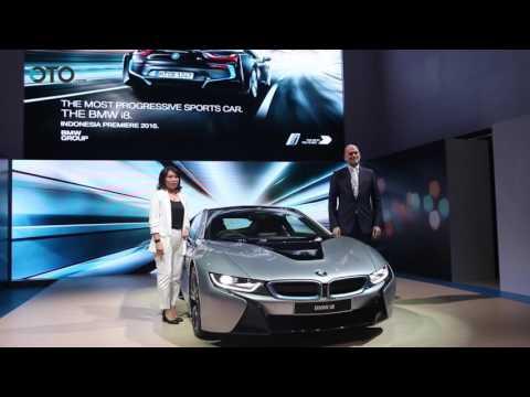 BMW i8 Diluncurkan Dalam Ajang GIIAS 2016 | Oto.com