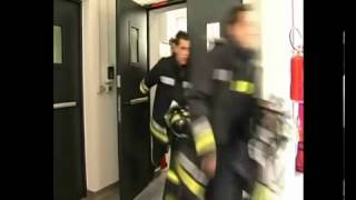 preview picture of video 'How italian firefighters respond'