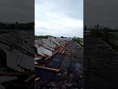 Последствия урагана в Воронежской области попали на видео