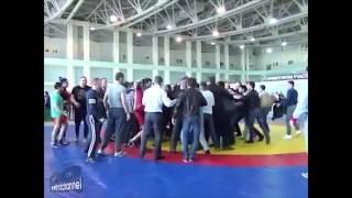 Соревнования по вольной борьбе закончились дракой