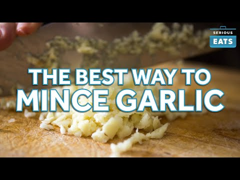 Mince Garlic Like a Chef Using These Techniques