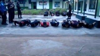 Latihan fisik KOPASPRAM (Komando Pasukan Pramuka MILITER)