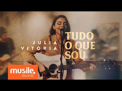 Com novo single, Julia Vitória se consolida como uma das grandes revelações deste ano