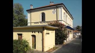 preview picture of video 'Annunci alla Stazione di Porto Valtravaglia'