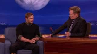 Келлан Латс, Conan O'Brien Interview - Kellan Lutz drives an old cop car