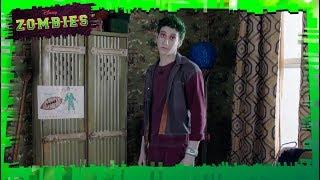 Zombies - Sneak Peek   Disney Channel Italia