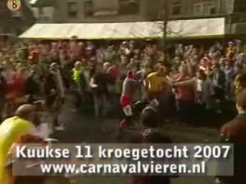 Kuukse 11 Kroegetocht 2007 - carnavalvieren.nl