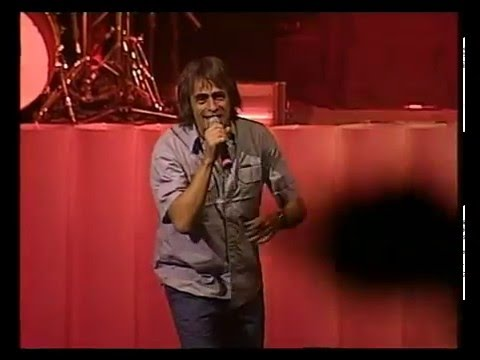 Los Auténticos Decadentes video Viviré por siempre - Teatro Coliseo 2006