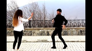 Девушки Танцуют Лезгинку  2019 Новая Чеченская Лезгинка 2019 (Чеченская Песня)