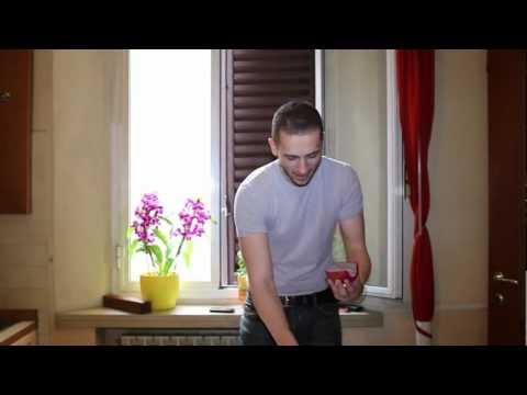 Serie di esercizi per perdita di peso della casa su una palla