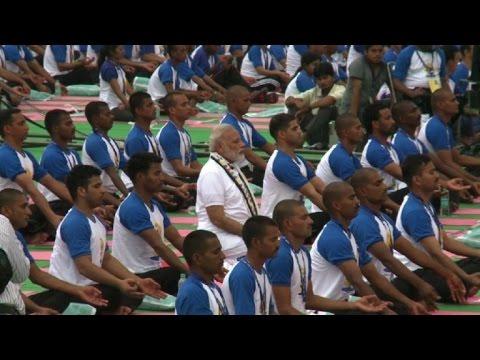 Yoga: Quand le Premier ministre indien s'y met