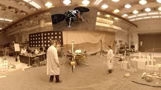Engenheiros da NASA praticam com réplica da InSight