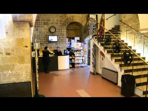 Preview video Dormire e Studiare a Volterra