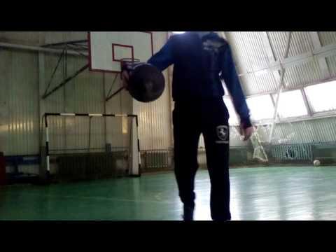 Мой брат играет в баскетбол 1 :)
