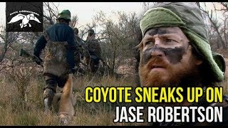 Coyote Sneaks Up On Jase Robertson While Duck Hunting In Nebraska - FULL EPISODE