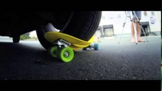 Choke Boards - Juicy Susi vs. Pick-up Truck - Board vs. car