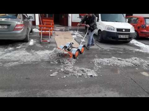 Kar ve Buz Temizleme Makinası