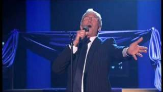 Paul O'Grady Show - James falls over and Paul sings Broadway Baby 22nd April 2009