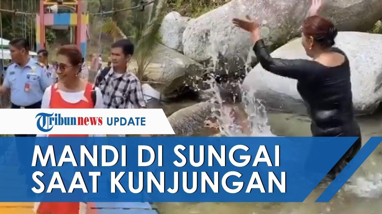 Aksi Susi Pudjiastuti Mandi di Sungai saat Kunjungan ke Sulawesi: Main Air, Segarkan Pikiran