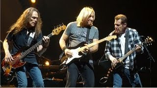 The Eagles - Walk Away - Toyota Center - Houston 2010