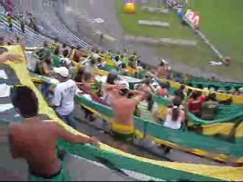 """""""ARTILLERIA VERDE SUR...HOY YO LO DEJO TODO"""" Barra: Artillería Verde Sur • Club: Deportes Quindío"""