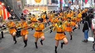 Смотреть онлайн Так проходит парад средней школы в Японии