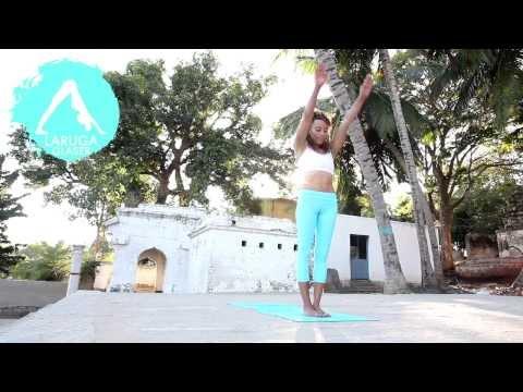 Astanga jóga bemutató Laruga Glaserrel