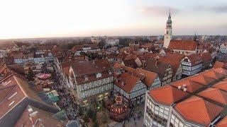 preview picture of video 'Weihnachtsmarkt in Celle aus der Luft.'
