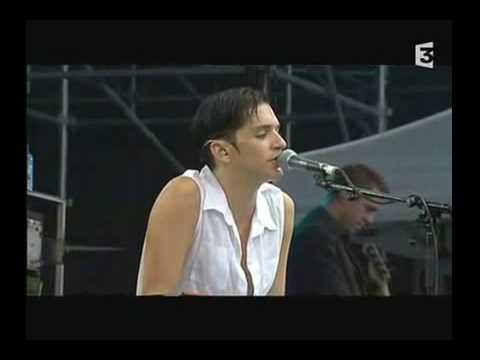 "Placebo ""Peeping Tom"" live at Vieilles Charrues 2001"