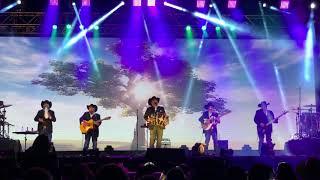 Tu Soledad Y La Mia Intocable (Live Mesquite Rodeo)