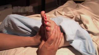 How to Give a Foot Massage During Pregnancy - Pregnancy & Parenting - ModernMom