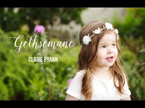 """Canción De Pascua: Niña De 3 Años Canta """"Gethsemane"""""""