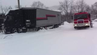 preview picture of video 'Straż Pożarna, OSP Pcim; wyciąganie samochodu ciężarowego  VOLVO'