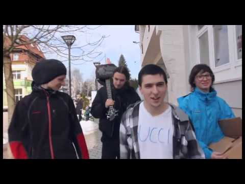 Dvanásť a 1/2 - Balíime ( official videoklip )