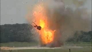 Смотреть онлайн Взрыв боеукладки танка