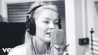 Astrid S - Running Out (Live From Studio)