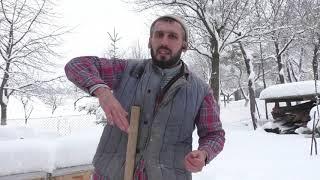 Освобождаем улья от снега 16.01.2019