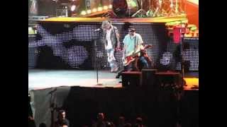 preview picture of video 'Guns N Roses-LIVE in Graz 2012'