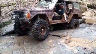 XJ Wheeling the Creek