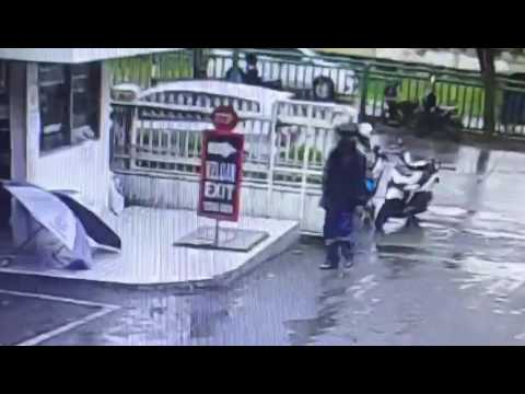 Video Driver Go-Jek MALING Mencuri Handphone