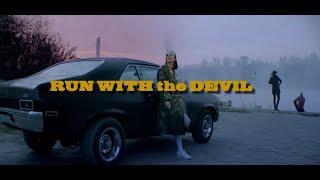 Musik-Video-Miniaturansicht zu Run with the Devil Songtext von Me and That Man